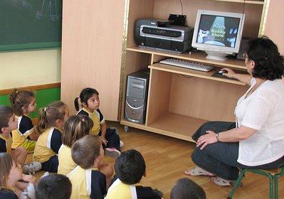 profesor-aula_ordenador-itinerante
